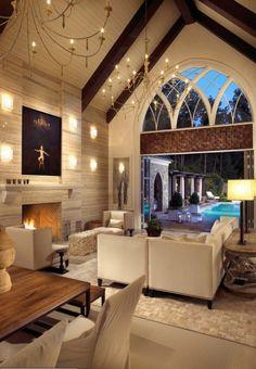 wohnzimmer luxuriös gestalten ledersofa kronleuchter tisch