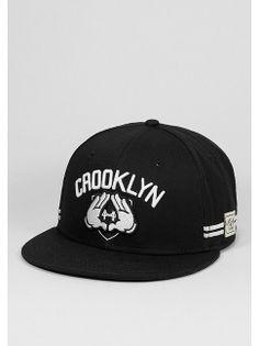 Cayler & Sons Snapback-Cap Crooklyn black/white für 29,99 Euro.  Artikelnummer: 7006461 #snipescom #caylerandsons #crooklyn #headwear #streetwear #caps