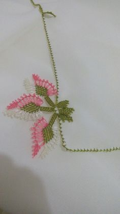 This Pin was discovered by Has Needle Lace, Eminem, Elsa, Diy Crafts, Stitch, Hand Embroidery Stitches, Sewing Projects, Hardanger, Felting