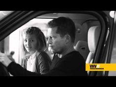 VHV TV Spot mit Til Schweiger                                                                                                                                                                                 Plus
