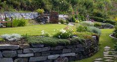 Haukås: Hvordan bygge natursteinsmur i hagen