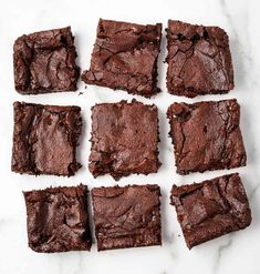 Super fudgy, so easy to make, and mind-blowingly delicious homemade vegan brownies! These will surely cure your chocolate craving. Healthy Vegan Desserts, Best Vegan Recipes, Healthy Dessert Recipes, Vegetarian Recipes, Baking Desserts, Vegan Meals, Vegan Food, Free Recipes, Fudgy Vegan Brownies