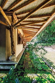 Revista AXXIS | Arquitectura, Diseño y Decoración Beautiful Homes, Pergola, Africa, Outdoor Structures, House Design, Interior, Coffee Area, Architects, Journals