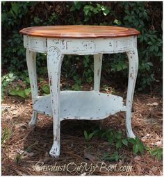 drum table refinished with stained top and distressed bottom Upcycled Furniture, Furniture Making, Diy Furniture, French Provincial Table, Using Chalk Paint, Drum Table, Miss Mustard Seeds, Milk Paint, Furniture Restoration