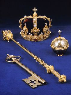 The Crown, Sceptre, Globus Cruciger, and Key of Eric XIV of Sweden The crown and some parts of the Royal Regalia were last used in for the enthronement of Carl XVI Gustaf Royal Crown Jewels, Royal Crowns, Royal Tiaras, Royal Jewelry, Tiaras And Crowns, Globus Cruciger, Swedish Royalty, Fantasy Jewelry, Royal Fashion