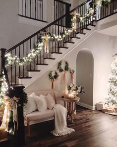 36 Most Popular Living Room Colors Ideas - Inspiration to Beautify Your Living Room 2730 : ? 36 Most Popular Living Room Colors Ideas - Inspiration to Beautify Your Living Room 2730 Christmas Entryway, Cozy Christmas, Elegant Christmas, Rustic Christmas, Christmas Living Room Decor, Christmas Staircase Decor, Christmas Ideas, Christmas Cookies, Christmas Holidays