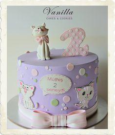 Cat Love. Kedicikli Pasta. 2 yaş kız bebek pastası. Kitten cake. Cat birthday cake. Kedili bebek pastası