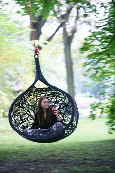 MANU Hanging Nest Chair