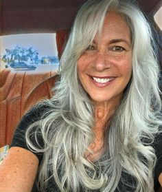 Hair color grey older women silver foxes 19 super Ideas - Weißes Haar Grey Hair Over 50, Long Gray Hair, Silver Grey Hair, Grey Makeup, Hair Makeup, Makeup Art, Silver Haired Beauties, Grey Hair Don't Care, Neue Outfits
