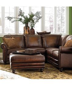 Small sectional sofa in leather.