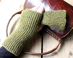 Strik til dig Archives - Side 3 af 10 - susanne-gustafsson. Knitted Boot Cuffs, Knit Boots, Wrist Warmers, Knit Patterns, Fingerless Gloves, Knit Crochet, Diy And Crafts, Knitting, Inspiration