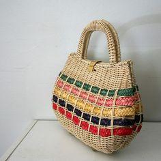 vintage-summer-picnic-basket-purse-from-littleveggievintage.jpg (430×430)