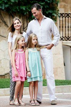 Felipe, letizia, leonor and sofia