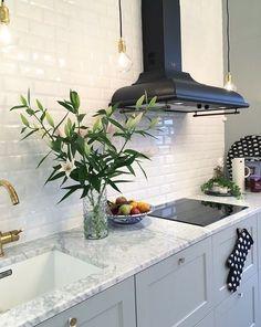 Range hood for antique look by SMEG Kitchen Hoods, Ikea Kitchen, Kitchen Reno, Kitchen Interior, Kitchen Dining, Kitchen Remodel, Kitchen Cabinets, Home Design, Home Kitchens
