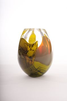 SINI MAJURI - Glass art innovator, Sini Majuri combines illustration with graal glass techniques in her glass vessels. She lives in Finland. Glass Vessel, Glass Art, Glass Design, Design Art, Blown Glass, Awesome Art, Love Art, Finland, Modern Contemporary