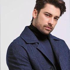 Turkish Men, Turkish Beauty, Turkish Actors, Hot Actors, Actors & Actresses, Alina Boz, Handsome Celebrities, Vogue Men, Bff Pictures
