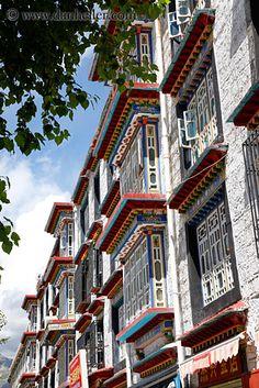 http://videos.vidora.com/details?v=1148 Seven Years in Tibet - Lhasa, #Tibet