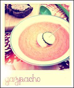 Gazpacho con crostini di pane ai cereali e crema al tonno/Gazpacho with cereals bread croutons and cream tuna