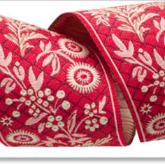 Ecru Garland on Red - French General picture Red Garland, Ribbon Garland, Wholesale Ribbon, Pink Chalk, French General, Modern Fabric, Dressmaking, Red And White, Sewing Patterns