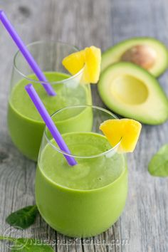 This pineapple avocado green smoothie is delicious, healthy, energy boosting and good till the last drop. @natashaskitchen