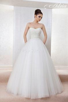 princessa14 Engagement Ideas, Aga, Wedding Stuff, One Shoulder Wedding Dress, Wedding Gowns, Model, Fashion, Brides, Dress Skirt
