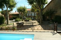 Domaine Des Agnelles Villedaigne This guesthouse is 11 km from Narbonne and 22 km from the beaches in the Languedoc Roussillon region. It features a large heated swimming pool surrounded by a garden and offers free WiFi throughout.