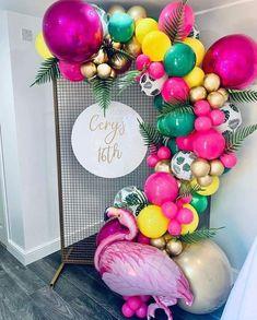 Luau Theme Party, Hawaiian Party Decorations, Birthday Balloon Decorations, Birthday Balloons, Birthday Party Themes, Flamingo Party, Flamingo Birthday, Luau Birthday, Deco Ballon