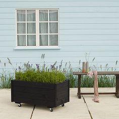 Plus blomsterkasse - H 54 x D 48 x B 88 cm FSC-certificeret træ - Sort - Coop.dk