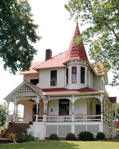victorian home exterior gold and Victorian Homes Exterior, Victorian Style Homes, Victorian Architecture, Amazing Architecture, Victorian Houses, Victorian Photos, Victorian Cottage, Victorian Design, Victorian Era