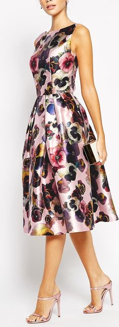 all over floral midi dress #vestido #godê #estampa #flores #bolsa