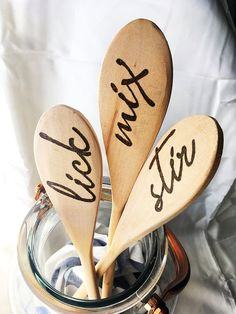 Charming wooden serving spoons, set of 3 hand burned wooden spoons, wood spoons for entertaining, kitchen utensils – Wood Burning Pattern Wood Burning Tool, Wood Burning Crafts, Wood Burning Patterns, Wood Burning Projects, Wooden Spoon Crafts, Wood Spoon, Metal Pen, Wooden Decor, Pyrography
