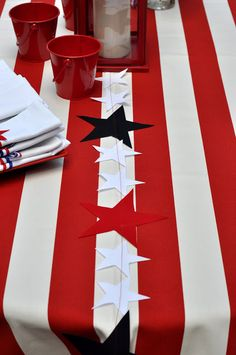 Sewing: Star Garland tutorial from Aesthetic Nest  #bunting #garland #star #patriotic #tutorial #sewing