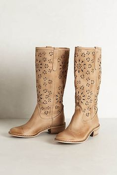 Cactus Flower Perorated Boots