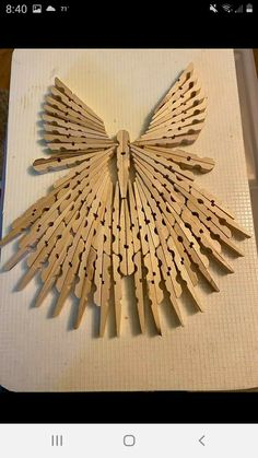 Christmas Angel Crafts, Holiday Crafts, Diy Arts And Crafts, Fun Crafts, Wooden Clothespin Crafts, Diy Popsicle Stick Crafts, Indoor Crafts, Cross Crafts, Dollar Tree Crafts