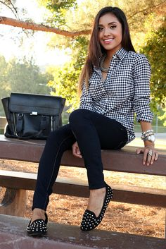 Cute simple outfit with white and black checkered shirt, black wash skinny jeans, and studded flats. Casual Outfits, Cute Outfits, Fashion Outfits, Fasion, Fashion Pants, Passion For Fashion, Love Fashion, Fashion Beauty, Sport Chic