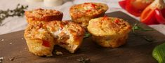 Hearty Protein Muffins Foodspring Magazine - DE - Protein – rich muffins quickly prepared with ham and cheese the optimal fitness food - Whey Protein Recipes, Protein Snacks, Whey Protein Smoothies, High Protein Muffins, Protein Pudding, Protein Desserts, Protein Powder Recipes, Healthy Protein, Amuse Bouche Vegan
