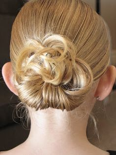 Tutorials on ways to style girls' hair, including ballet buns, special occasion, etc
