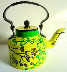 The tea kettle to serve chai!