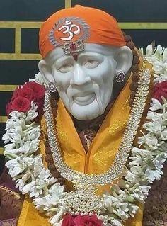 Sai Baba Pictures, Sai Baba Photos, Shirdi Sai Baba Wallpapers, Cute Krishna, Om Sai Ram, Pooja Rooms, Indian Gods, Lord Shiva, Photo Wallpaper