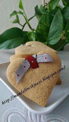 yılbaşı kurabiyeleri Kış günlerinin soğukluğuna yaraşır zencefilli tarçınlı kütür kütür bisküvi kıvamında ki bu kurabiyeleri küçük oğlu...