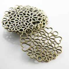 8pcs Antique Brass Tone Base Metal Charms-Flowers Link by clbeads