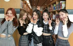 this is a new accountdedicated to ITZY i love these precious girls so much and I will be honored if you could rt and spread the word ❤️❤️❤️ i want to gain friends and interact with you guys! Kpop Girl Groups, Korean Girl Groups, Kpop Girls, New Girl, Your Girl, Programa Musical, I Love You Girl, Dance Outfits, These Girls