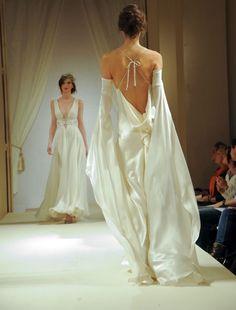 Couture Fashion, Runway Fashion, High Fashion, Fashion Show, Fashion Outfits, Fashion Design, Elegant Dresses, Pretty Dresses, Beautiful Dresses