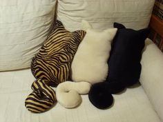 Cat pillows....want! Lol