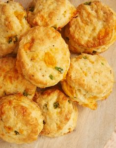 Add a flavorful, spicy kick to buttermilk biscuits with these quick and easy Jalapeño Cheddar Biscuits. - Bake or Break