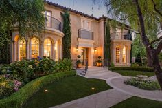 Extraordinary Estate in Crescent Park, Palo Alto  	Enjoy European style in this fully renovated property