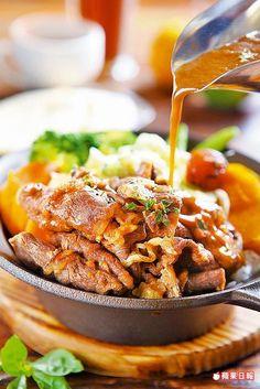 巧克力牛肉燉菜260元  拌飯的醬汁加了大量的蔬菜和可可熬煮,氣味香甜。