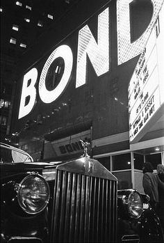 Bond disco, Times Square, NYC, 1980. Photo by Allen Tannenbaum