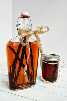 See Brooke Cook: Homemade Vanilla Extract {and Bourbon Vanilla Extract} #recipe