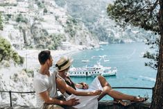 Can't decide where to go for your dream honeymoon? Take this short quiz and we'll describe the perfect getaway for you and your partner! The post MW Quiz: Find Out What Type Of Honeymoon Is Right For You appeared first on Modern Wedding. Honeymoon Packing, Italy Honeymoon, Best Honeymoon Destinations, Honeymoon Spots, Italy Vacation, Best Vacations, Vacation Spots, Romantic Honeymoon, Italy Trip